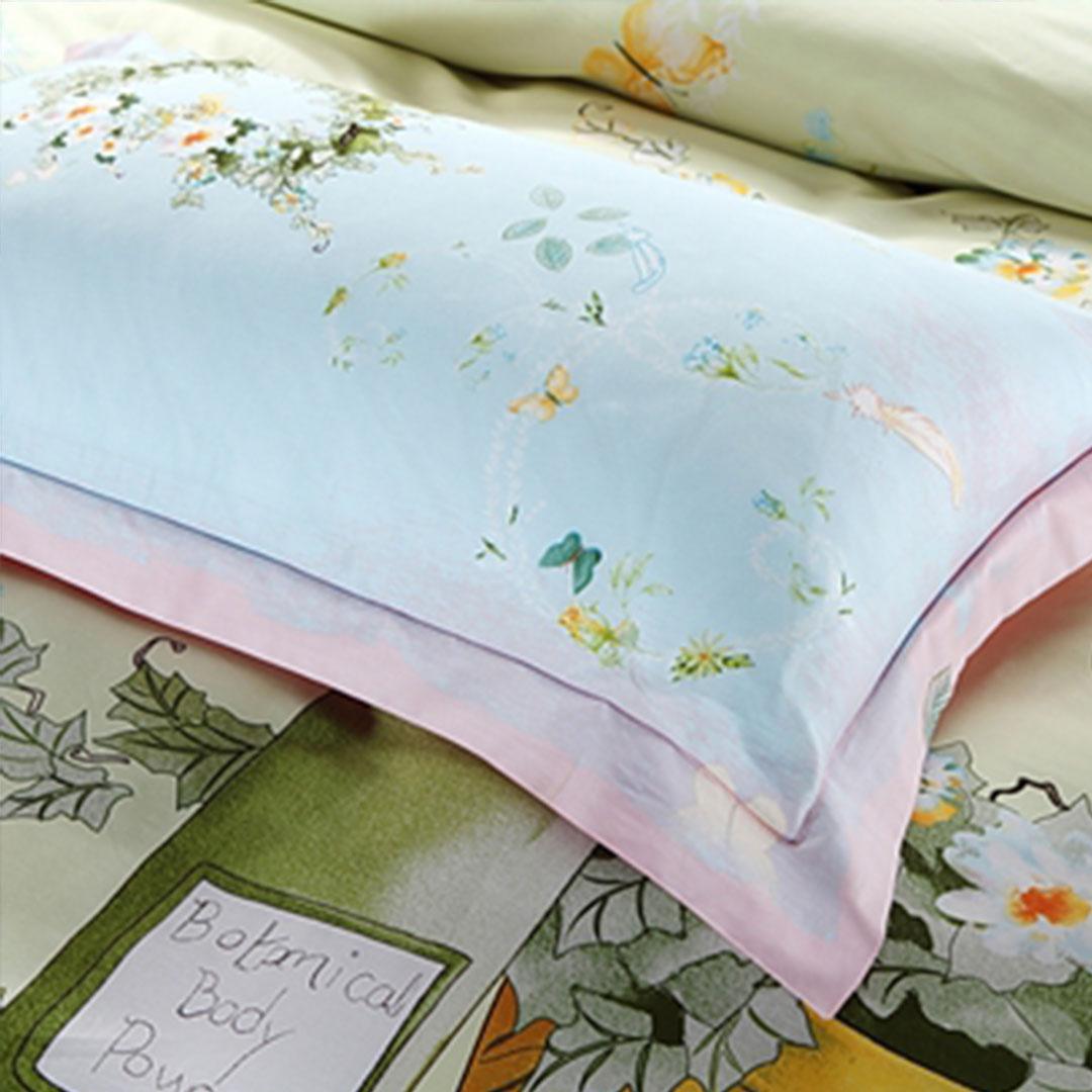 Elegant Pink & Light Blue Flowers Bedding Set