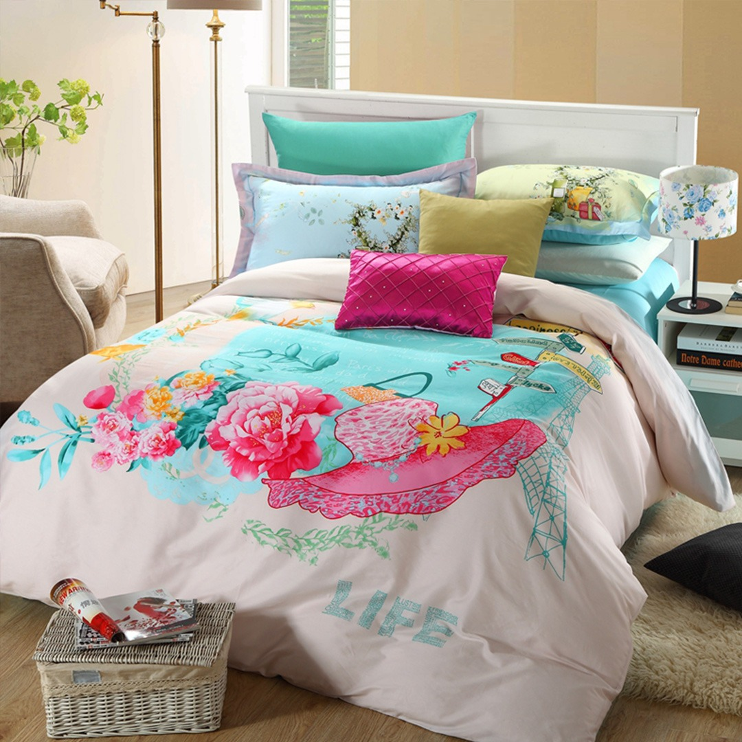 Pink floral print bedding set