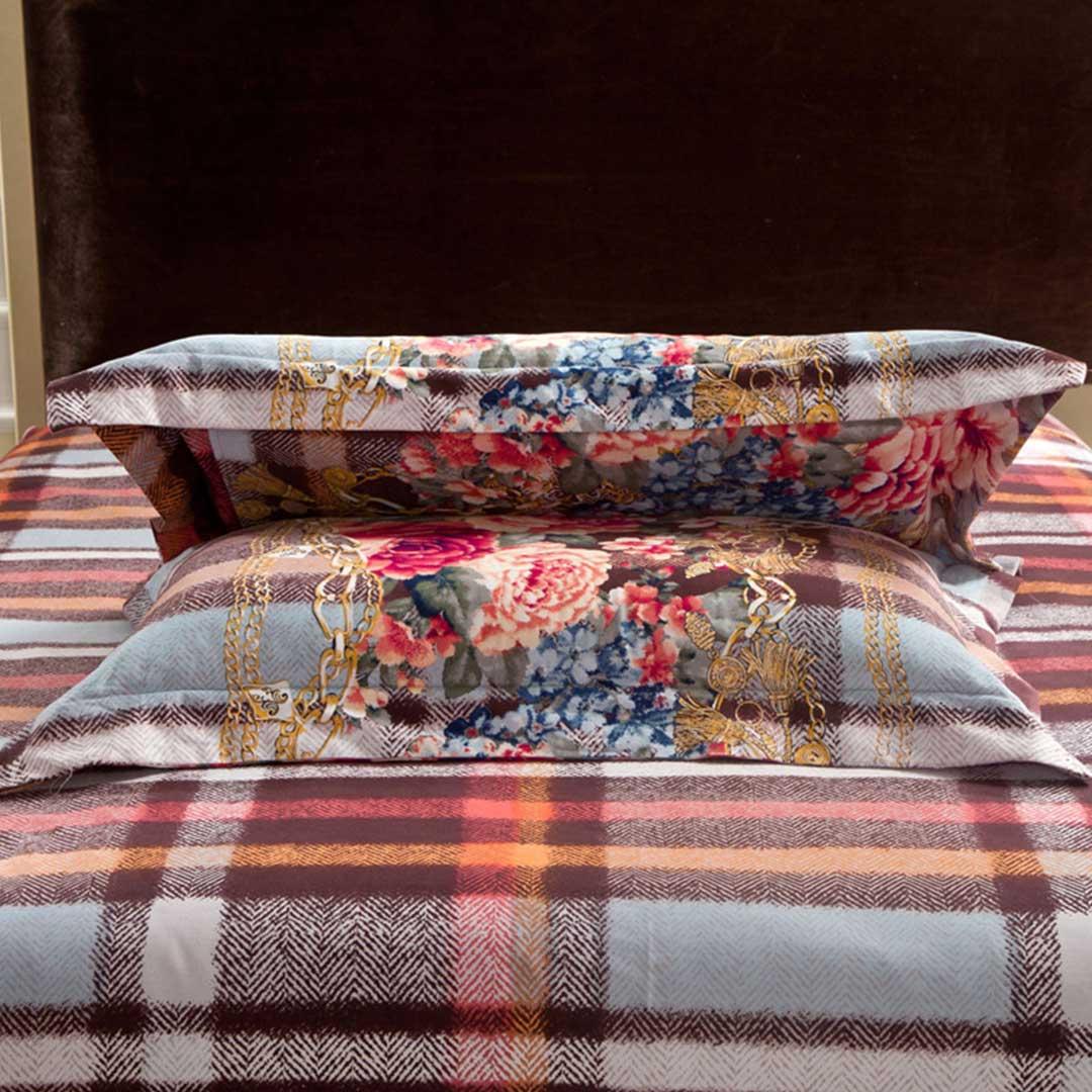 Decorated Vector Base Luxury Bed Set Ebeddingsets