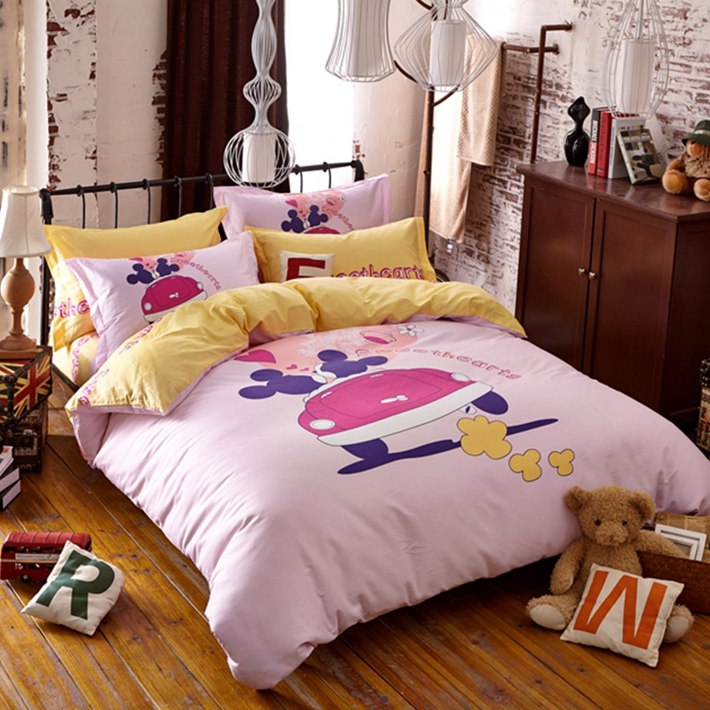 Sweethearts Mickey and Minnie Bedding Set