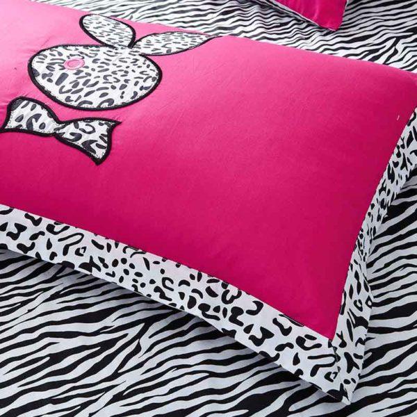 playboy leopard print bedding 3 600x600 - Playboy leopard print bedding Set