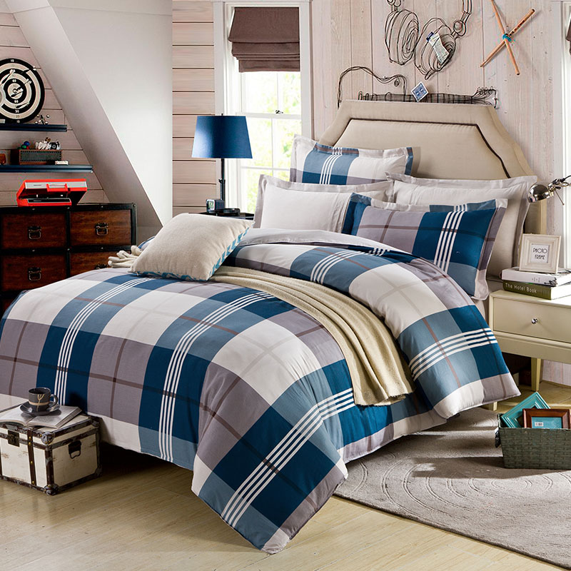 Aesthetic White And Steel Grey Checks Cotton Bedding Set