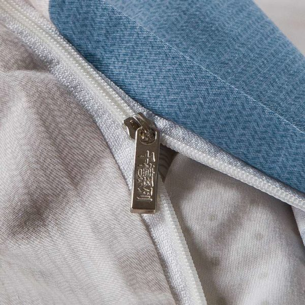 Aesthetic White And steel Grey Checks Cotton Bedding Set 2