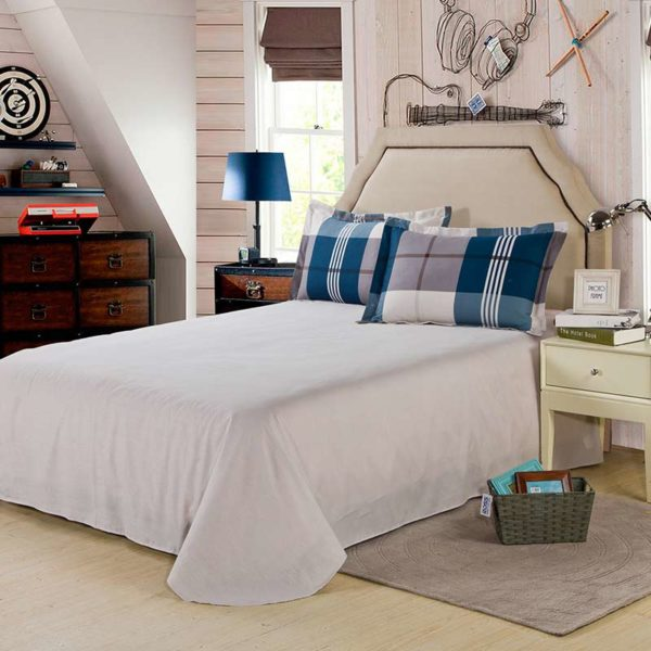 Aesthetic White And steel Grey Checks Cotton Bedding Set 5 600x600 - Aesthetic White And steel Grey Checks Cotton  Bedding Set