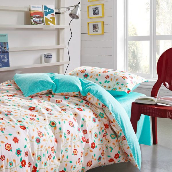 Bright and beautiful Floral Cotton Bedding Set 1