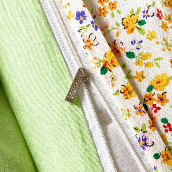 Chic White And Light Green Cotton Bedding Set 3
