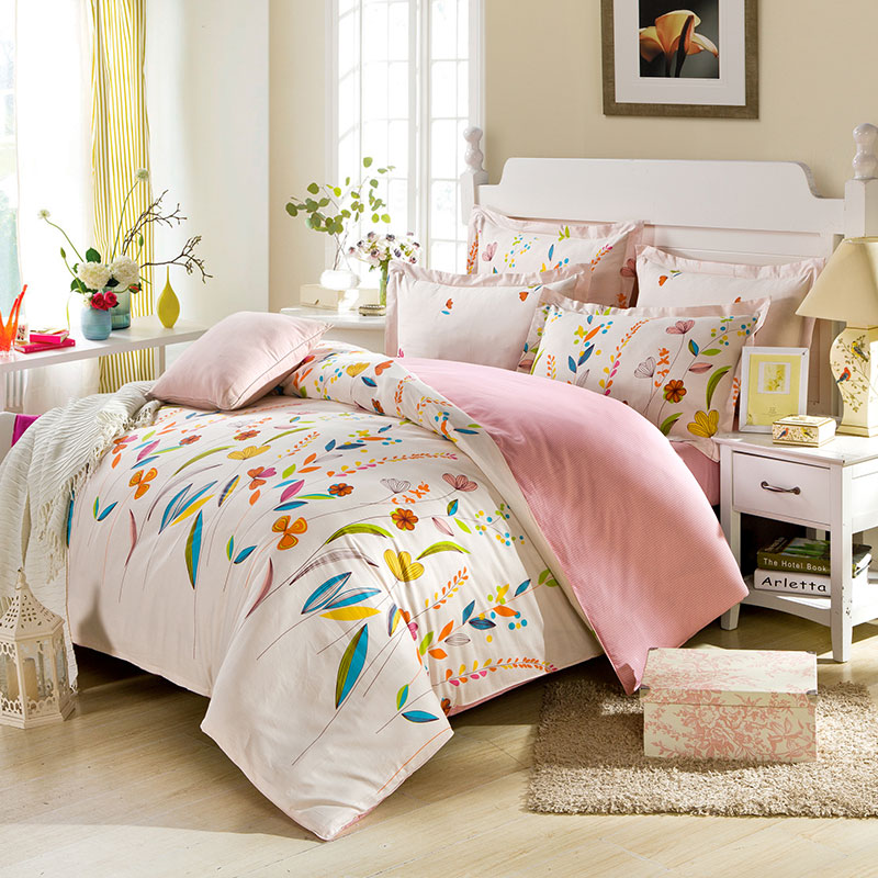 enchanting light pink floral bedding set ebeddingsets. Black Bedroom Furniture Sets. Home Design Ideas
