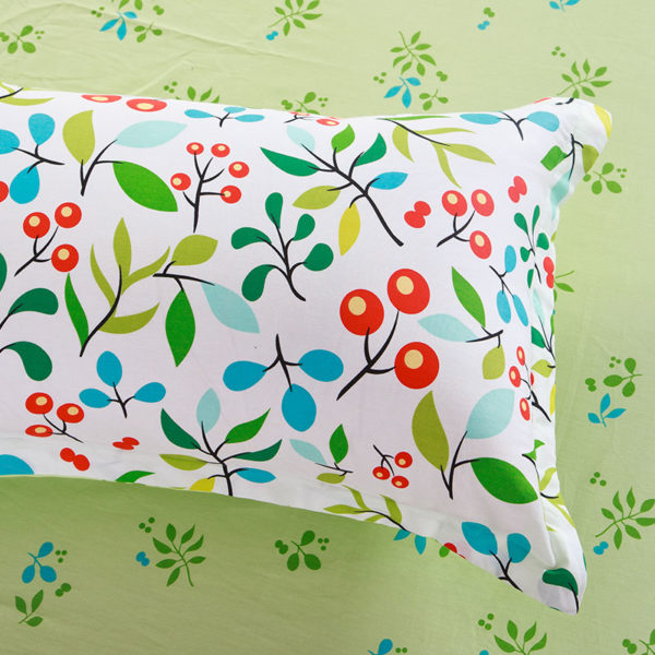 Enthralling sea green and cherry pattern Cotton Bedding Set 3