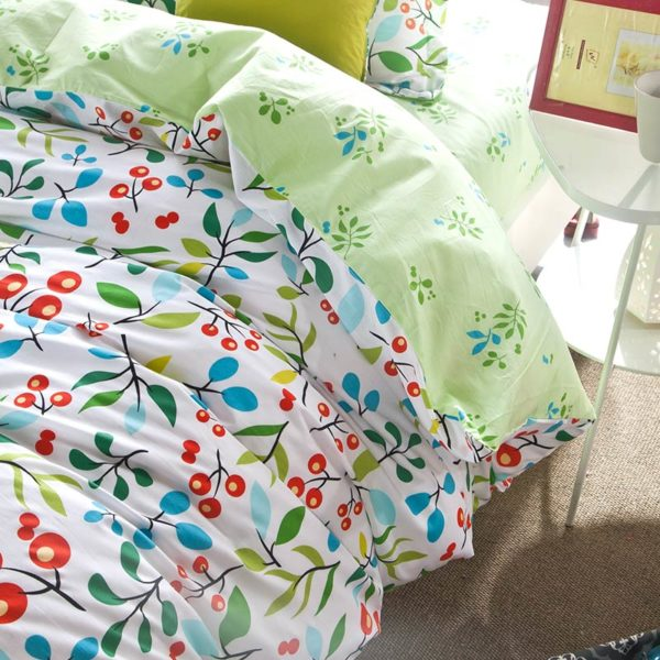 Enthralling sea green and cherry pattern Cotton Bedding Set 4