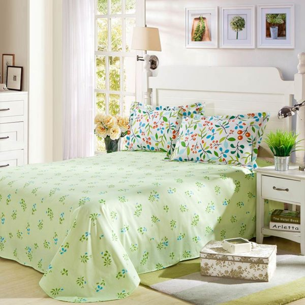 Light Green And White Cotton  Bedding Set