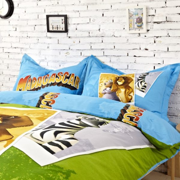 Madagascar Bedding Set Twin Queen King Size 2 600x600 - Madagascar Bedding Set Twin Queen King Size