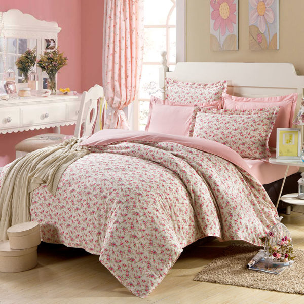 Subtle White And Pink Floral Cotton Bedding Set 1 600x600 - Subtle White And Pink Floral Cotton  Bedding Set