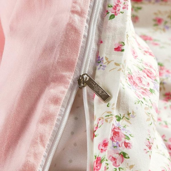 Subtle White And Pink Floral Cotton Bedding Set 3 600x600 - Subtle White And Pink Floral Cotton  Bedding Set