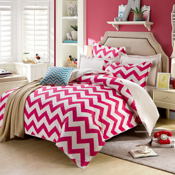 Vibrant Pink And White Geometrical Cotton Bedding Set 1 600x600 - Vibrant Pink And White Geometrical Cotton  Bedding Set