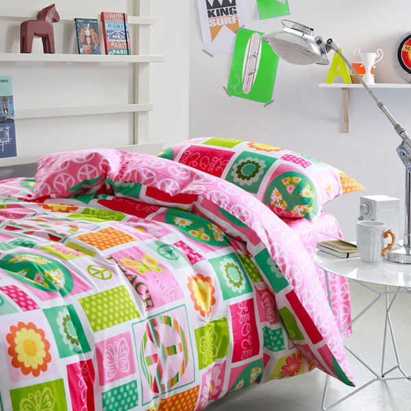 Vibrant and vivid PEACE Cotton Bedding Set 1