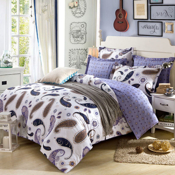 White And Navy Blue Paisley Cotton Bedding Set 1