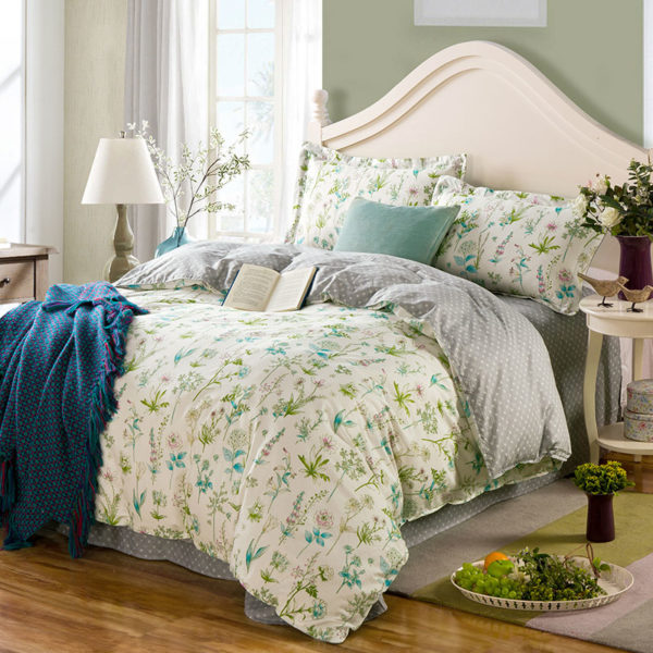 Attractive White Floral  Cotton  Bedding Set
