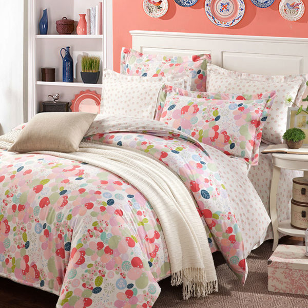 Beautiful White And Pink Cotton Bedding Set 1 600x600 - Beautiful White And Pink Cotton  Bedding Set