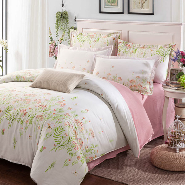 Beautiful White Floral Cotton Bedding Set 1