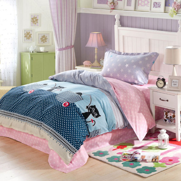 Charming Blue and White Star Pattern Cotton Bedding Set 1