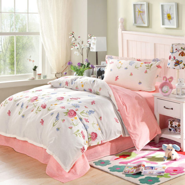 Charming White and Pink Floral Cotton Bedding Set 1