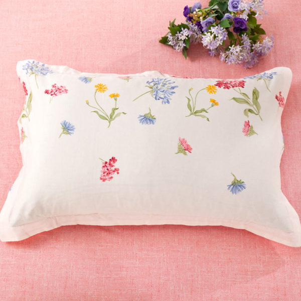 Charming White and Pink Floral Cotton Bedding Set 4