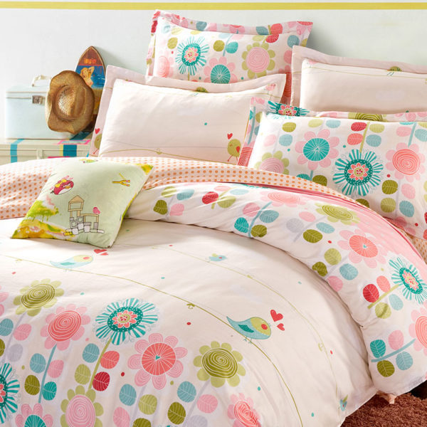 Cute Floral Cotton Bedding Set In White And Pink 1 600x600 - Cute Floral Cotton Bedding Set  In White And Pink
