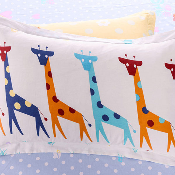Cute Giraffe Themed Cotton  Bedding Set