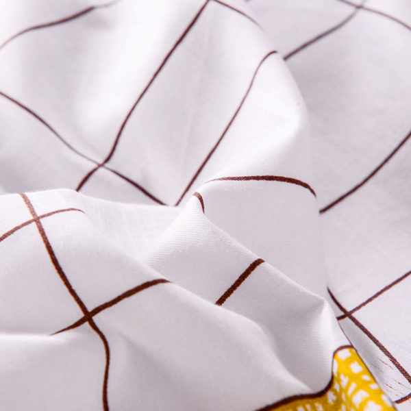 Decorative White And Tomato  Cotton Bedding Set