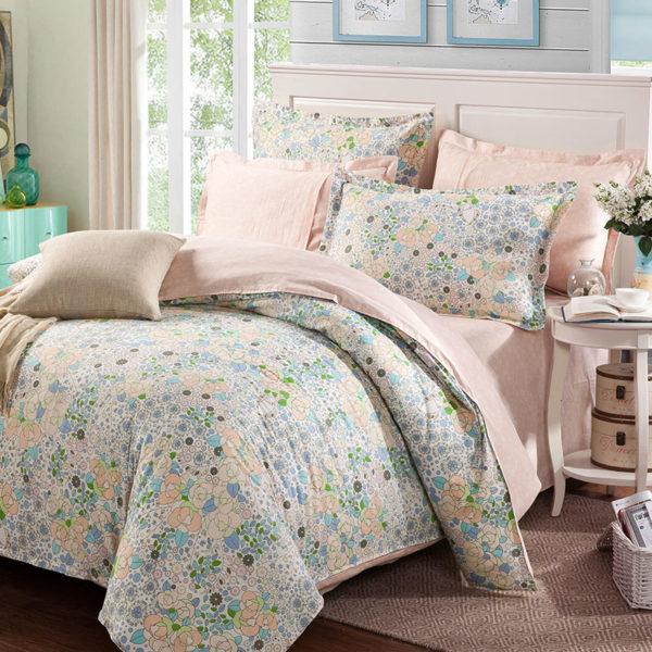 Delicate Pink Floral Cotton Bedding Set 1