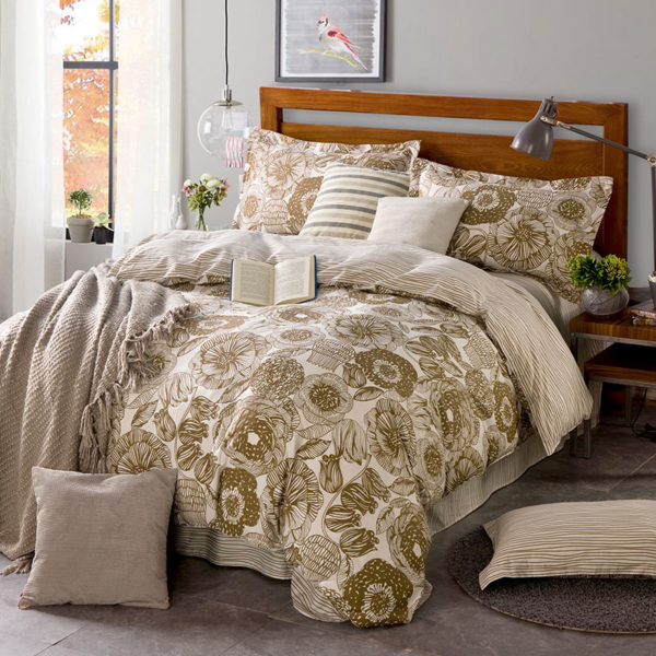 Elegant White And Beige Cotton Bedding Set 1 600x600 - Elegant White And Beige Cotton Bedding Set