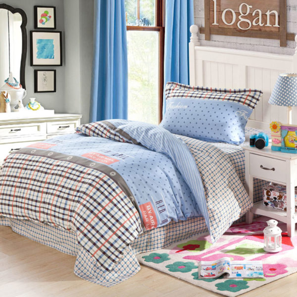 Exquisite Light Blue and white Cotton  Bedding Set