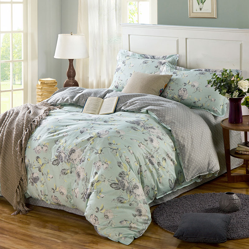 Eye-catching Forest Green And Grey Cotton Bedding Set