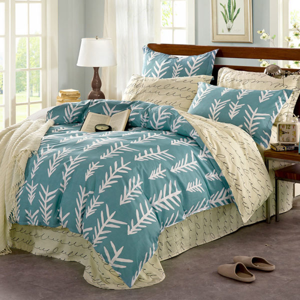 Fantastic Light Blue And White Cotton Bedding Set 1 600x600 - Fantastic Light Blue And White Cotton Bedding Set