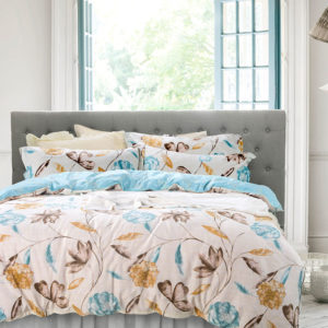 Floral Cotton Bedding Set In White and Blue 1 300x300 - Floral  Cotton  Bedding Set In White and Blue