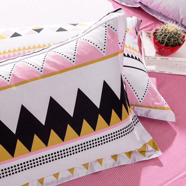 Offbeat White Cotton Bedding Set 2 600x600 - Offbeat White Cotton Bedding Set