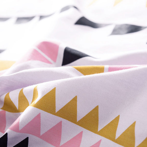 Offbeat White Cotton Bedding Set 5 600x600 - Offbeat White Cotton Bedding Set
