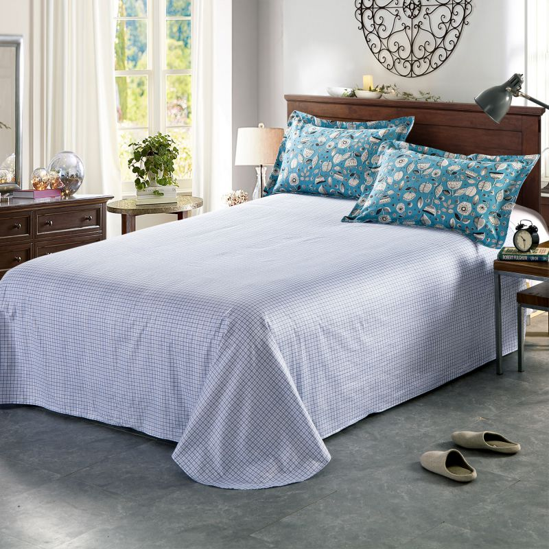 pretty light blue flower themed bedding set in blue and pink ebeddingsets. Black Bedroom Furniture Sets. Home Design Ideas