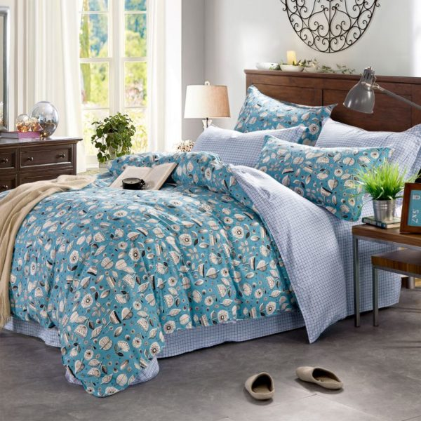 Pretty Light Blue Flower Themed Bedding Set In Blue And Pink 4 600x600 - Pretty Light Blue Flower Themed Bedding Set In Blue And Pink