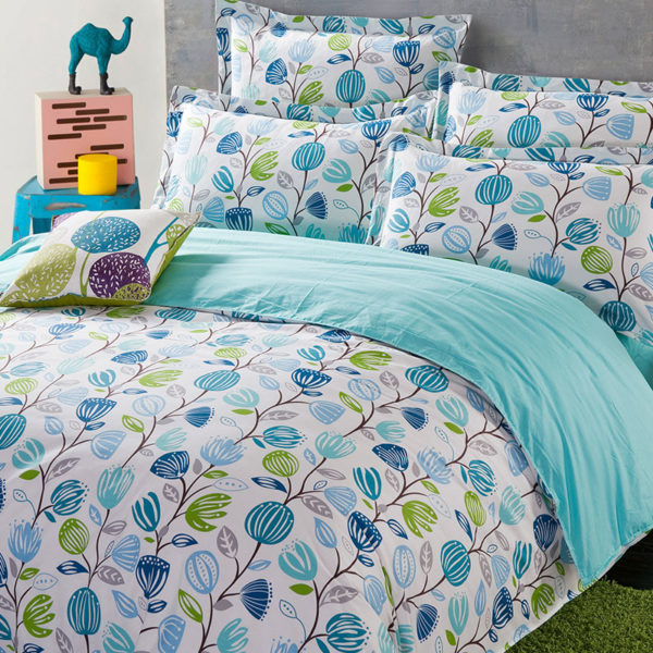 Pretty White And Blue Floral Cotton Bedding Set 1 600x600 - Pretty White And Blue Floral Cotton  Bedding Set