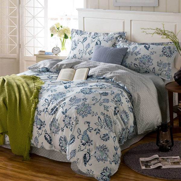 Soothing White Floral Cotton Bedding Set