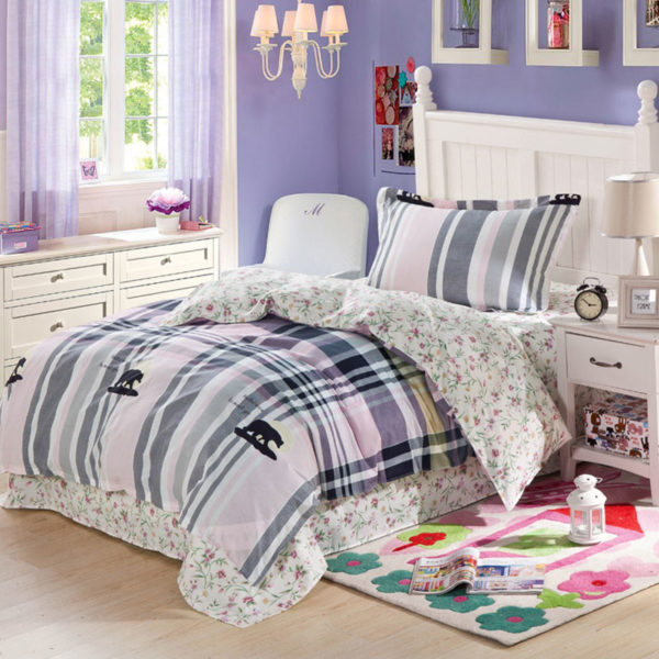 Sophisticated Floral and checkered Cotton Bedding Set 1 600x600 - Sophisticated Floral and checkered Cotton Bedding Set