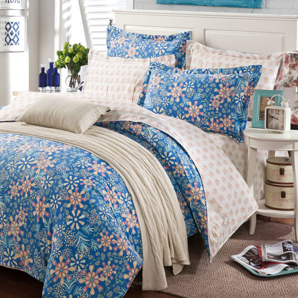 Stunning Blue Cotton Bedding Set 1 600x600 - Stunning Blue Cotton  Bedding Set