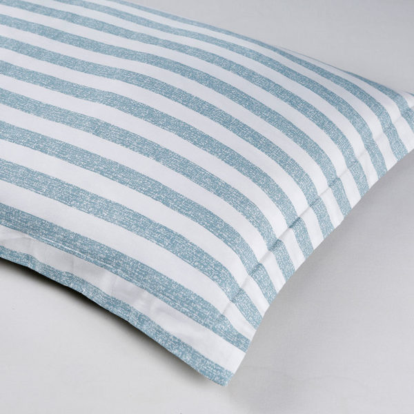 Stylish Blue And White Checks Cotton Bedding Set 2 600x600 - Stylish  Blue And White Checks Cotton Bedding Set