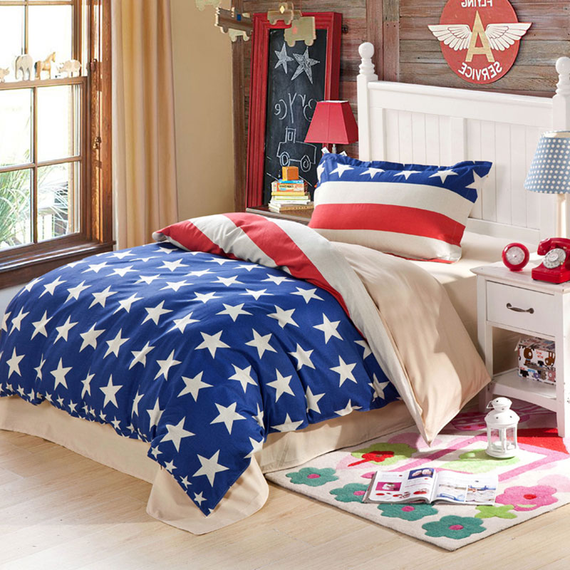 Trendy Blue And White Stars Themed Cotton Bedding Set