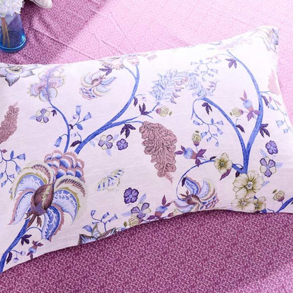Trendy Pink And White Cotton Bedding Set 3
