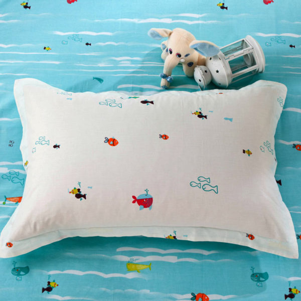 Vibrant Ocean themed Light Blue Cotton Bedding Set 5 600x600 - Vibrant Ocean themed Light Blue Cotton Bedding Set