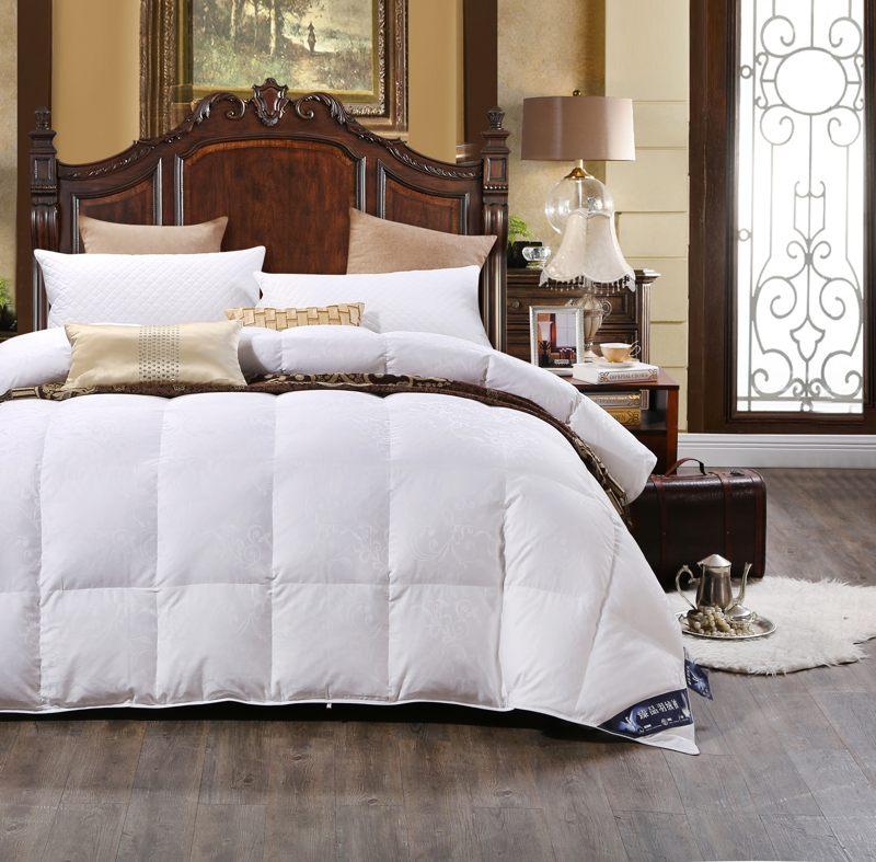 100 Cotton Satin Jacquard Duck Down Comforter Model 1