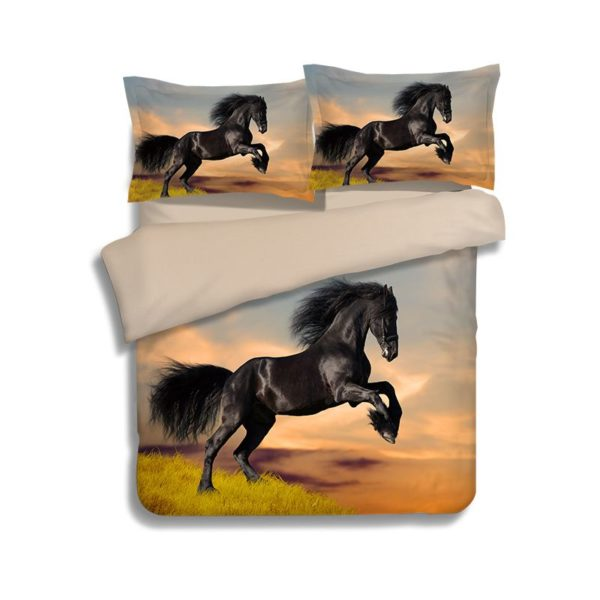 Black Draught Horse on Grass Bedding Set 1