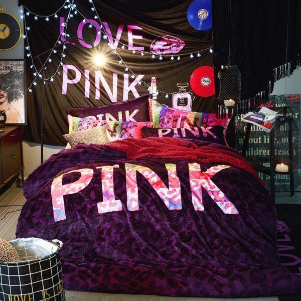 Victorias Secret Velvet Warm Pink Printing Bedding Set XL 6 600x600 - Victoria's Secret Velvet Warm Pink Printing Bedding Set XL